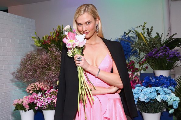 Karlie Kloss「Swarovski Times Square Celebration with Karlie Kloss」:写真・画像(11)[壁紙.com]