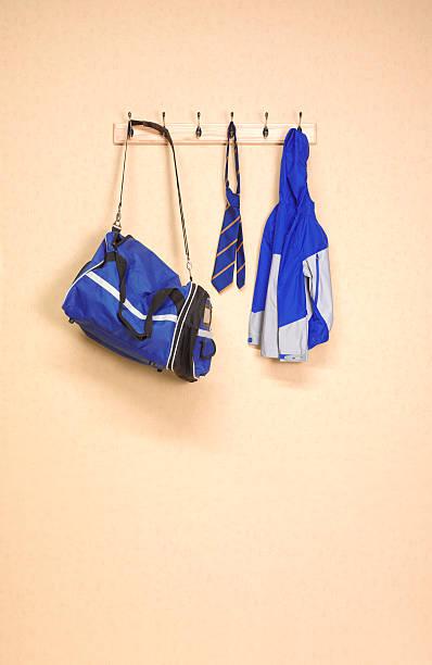 School changing room:スマホ壁紙(壁紙.com)