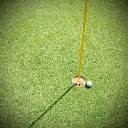 PGA Event「Golf court with ball」:スマホ壁紙(2)