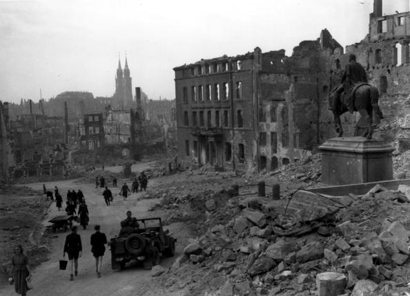 Bomb Damage「Ruins Of Nuremberg」:写真・画像(16)[壁紙.com]