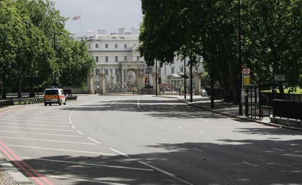 Empty Road「Bomb Scare In Park Lane London」:写真・画像(15)[壁紙.com]
