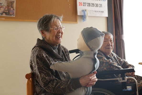 千葉県「Japan's Nursing Home Seeks Help From Humanoids」:写真・画像(12)[壁紙.com]