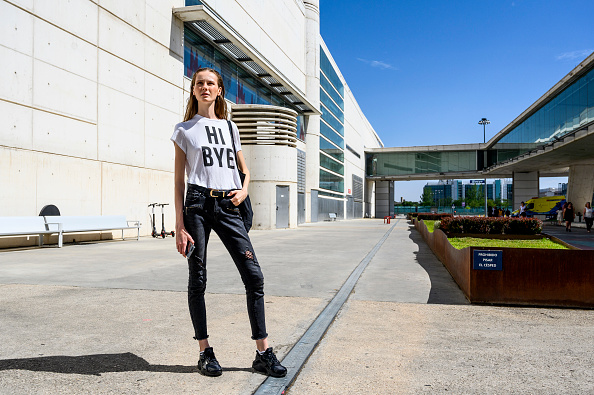 Black Pants「Day 3 - Street Style - Mercedes Benz Fashion Week Madrid Spring/Summer 2020」:写真・画像(9)[壁紙.com]