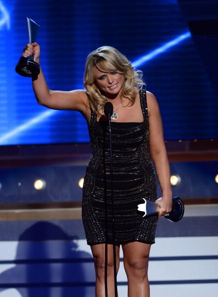 Form Fitted Dress「48th Annual Academy Of Country Music Awards - Show」:写真・画像(7)[壁紙.com]