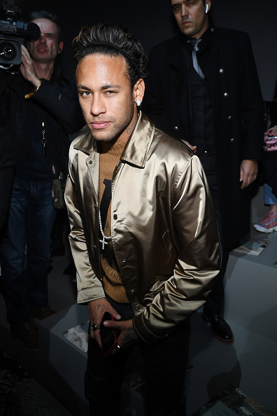 Neymar da Silva「Louis Vuitton : Front Row - Paris Fashion Week - Menswear F/W 2018-2019」:写真・画像(7)[壁紙.com]