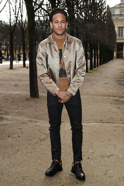 Neymar da Silva「Louis Vuitton : Front Row - Paris Fashion Week - Menswear F/W 2018-2019」:写真・画像(0)[壁紙.com]