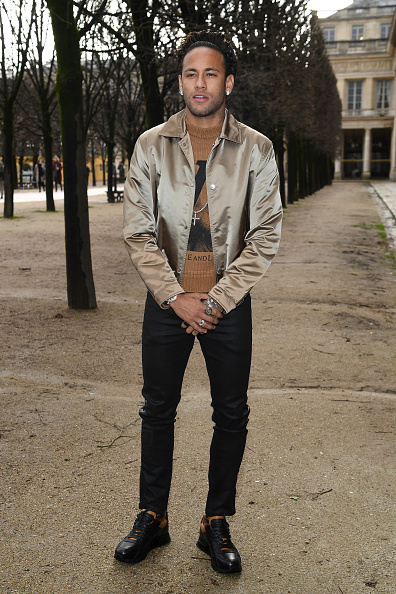 Neymar da Silva「Louis Vuitton : Front Row - Paris Fashion Week - Menswear F/W 2018-2019」:写真・画像(3)[壁紙.com]