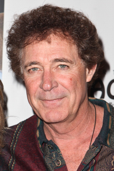 """Barry Williams「Opening Night Of """"Avenue Q"""" At The Pantages Theatre - Red Carpet」:写真・画像(13)[壁紙.com]"""