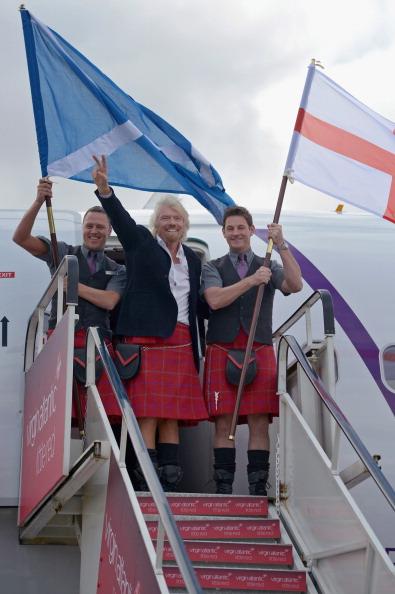 Corporate Business「Sir Richard Branson Launches The Virgin Atlantic Little Red Flight At Edinburgh Airport」:写真・画像(1)[壁紙.com]