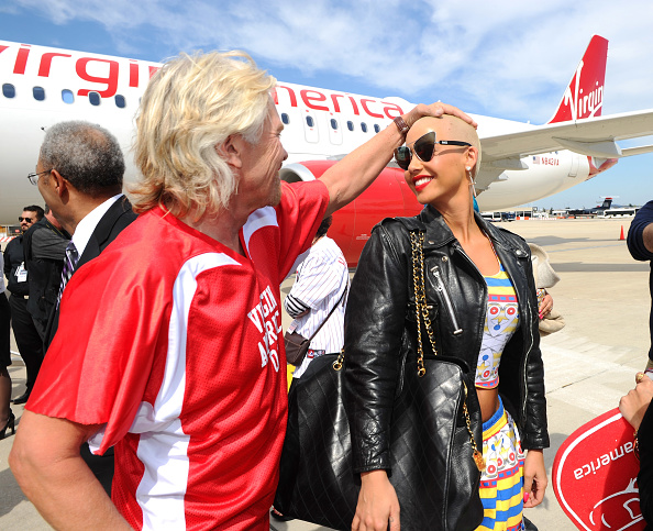 LAX Airport「Launch Of Virgin America's First Flight From Los Angeles To Philadelphia - Inaugural Flight」:写真・画像(14)[壁紙.com]