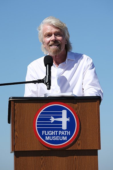 LAX Airport「Sir Richard Branson Gets Inducted Into The Flight Path Walk Of Fame At LAX」:写真・画像(2)[壁紙.com]
