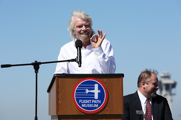 LAX Airport「Sir Richard Branson Gets Inducted Into The Flight Path Walk Of Fame At LAX」:写真・画像(5)[壁紙.com]