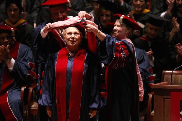 Renata Scotto「Juilliard Holds 104th Commencement Ceremony」:写真・画像(19)[壁紙.com]