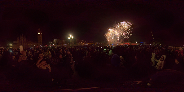 Panoramic「London Fireworks Display Ushers In The New Year」:写真・画像(18)[壁紙.com]