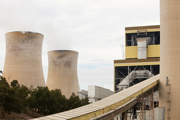 Responsibility「The Yan Lang coal fired power station in the Latrobe Valley, Victoria, Australia. It uses coal from an open cast coal mine across the road from it, as the Latrobe Valley has massive coal reserves close to the surface. The industry is responsible for dest」:写真・画像(8)[壁紙.com]