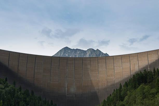 Austria, Tirol, Zillertal, Schlegeis dam wall and Mount Kleiner Hochstaller:スマホ壁紙(壁紙.com)