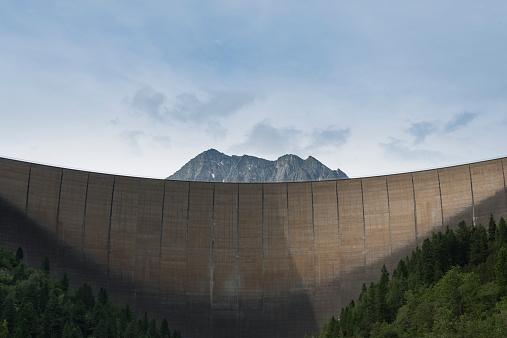 Austria「Austria, Tirol, Zillertal, Schlegeis dam wall and Mount Kleiner Hochstaller」:スマホ壁紙(6)