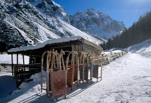 Sled「Austria, Tirol, Stubai valley, sledges in front of lodge」:スマホ壁紙(9)