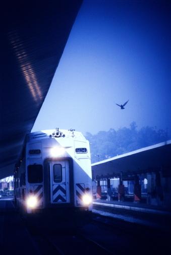 Passenger「Passenger train leaving station」:スマホ壁紙(4)