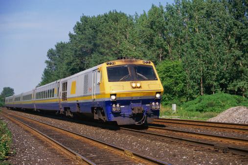 Passenger「Passenger train on track」:スマホ壁紙(18)