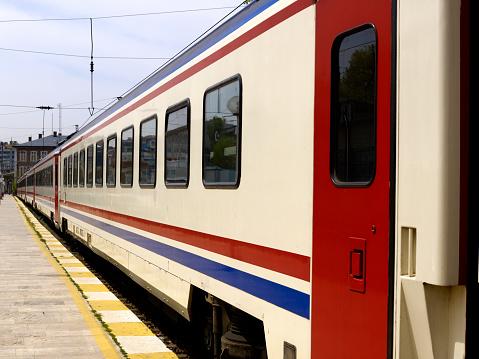 鉄道・列車「旅客列車」:スマホ壁紙(1)