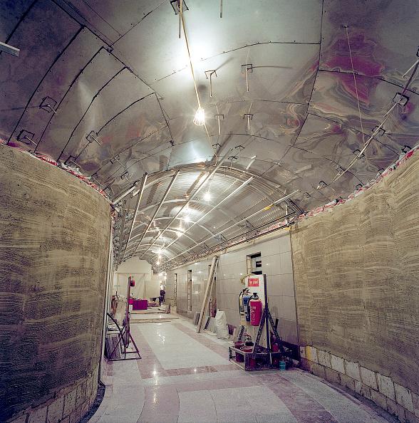 Dust「Passenger tunnel during refurbishment of Angel Underground station. London, United Kingdom.」:写真・画像(0)[壁紙.com]