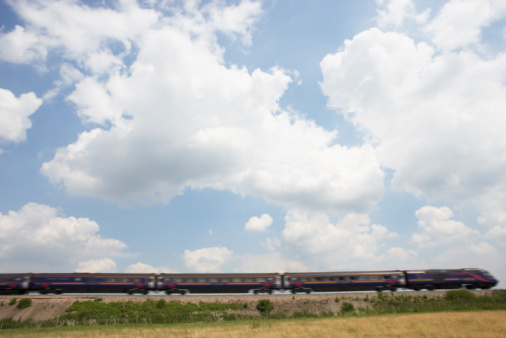 Passenger「Passenger Train Moving Beneath A Clouded Sky」:スマホ壁紙(6)