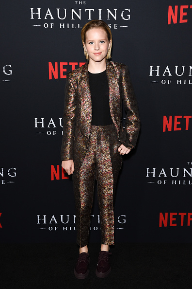 "Black Shirt「Netflix's ""The Haunting Of Hill House"" Season 1 Premiere - Arrivals」:写真・画像(7)[壁紙.com]"