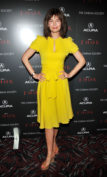 "Keyhole Neckline「The Cinema Society & Acura Host A Screening Of ""Thor"" - Arrivals」:写真・画像(16)[壁紙.com]"