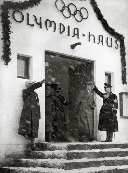Garmisch-Partenkirchen「Adolf Hitler leaving the Olympic House」:写真・画像(10)[壁紙.com]