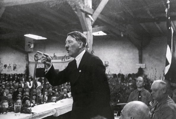 Speech「Adolf Hitler holding a speech」:写真・画像(8)[壁紙.com]
