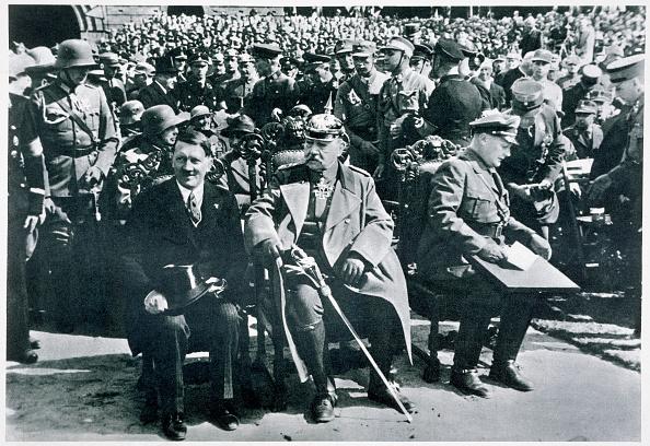 人物「Adolf Hitler President Von Hindenburg And Hermann Goering Tannenberg Germany 1933」:写真・画像(11)[壁紙.com]