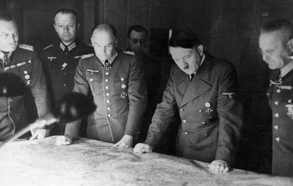 Planning「Planning Hitler」:写真・画像(9)[壁紙.com]