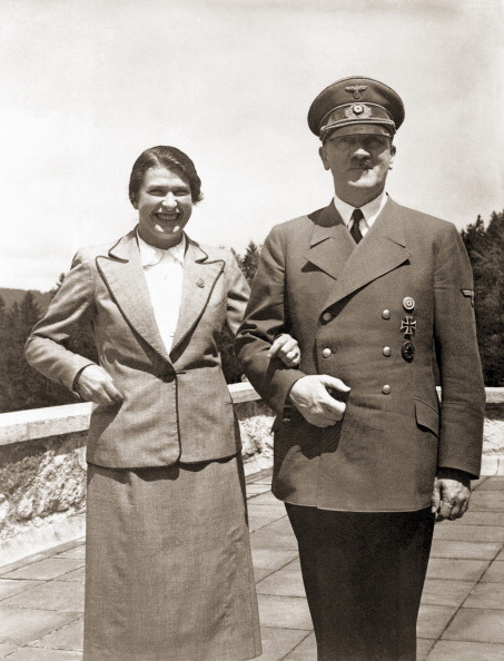 Tea Room「Hitler And Friend」:写真・画像(12)[壁紙.com]