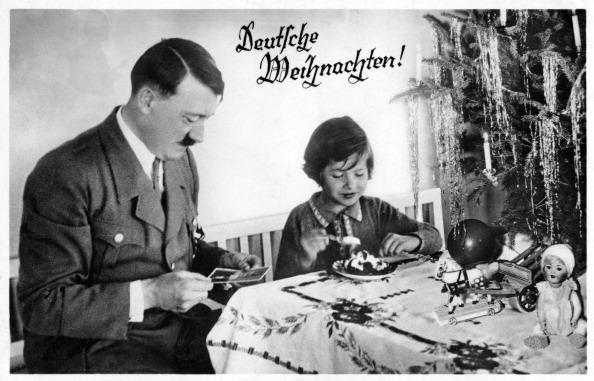 写真「Adolf Hitler with a child」:写真・画像(14)[壁紙.com]