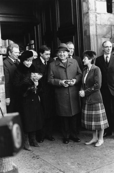 Bouquet「Gorbachev In Scotland」:写真・画像(5)[壁紙.com]