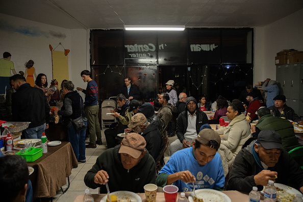 Baja California Peninsula「Deported U.S. Veterans Celebrate Thanksgiving In Tijuana, Mexico」:写真・画像(0)[壁紙.com]