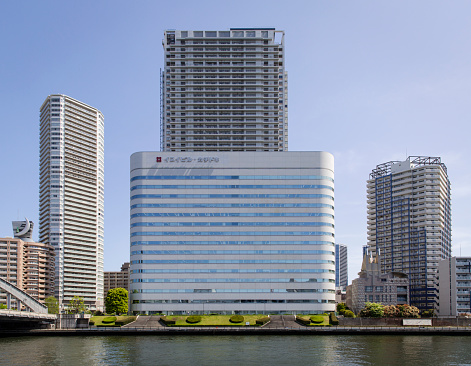 Japan「Modern Commercial Offices and Buildings along the Banks of the Sumida River, Tokyo, Japan.」:スマホ壁紙(17)