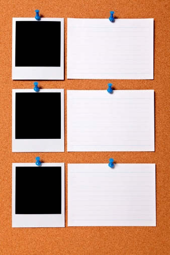Instant Print Transfer「Bulletin board with blank photo prints and cards」:スマホ壁紙(13)