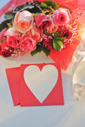 バレンタイン「Valentine and flowers」:スマホ壁紙(14)
