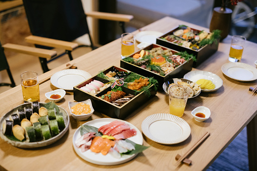 festive food for the New Year「New Year's Dinner Table」:スマホ壁紙(14)