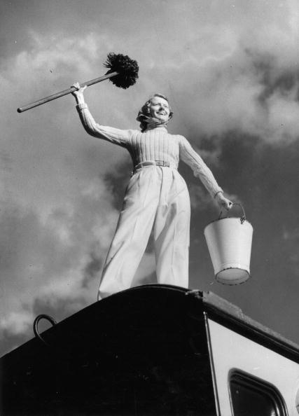 Clean「Camping. A camper is standing with swab and bucket on her caravan. Photograph. 1937.」:写真・画像(11)[壁紙.com]