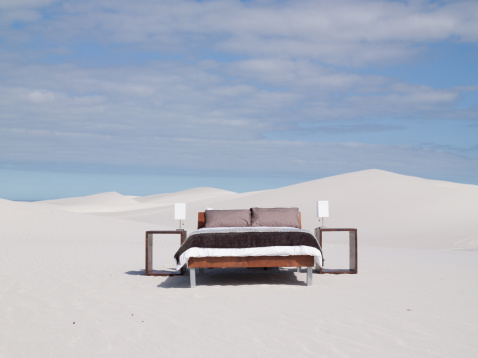 Bed - Furniture「An empty bed in the middle of the desert」:スマホ壁紙(10)