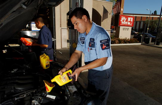 Mechanic「Shell Oil to Acquire Pennzoil-Quaker State」:写真・画像(4)[壁紙.com]