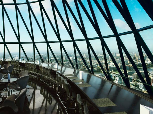 View from restaurant at the top of 30 St Mary Axe, or the Gherkin, London, UK:ニュース(壁紙.com)