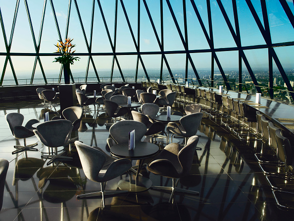 On Top Of「View from restaurant at the top of 30 St Mary Axe, or the Gherkin, London, UK」:写真・画像(2)[壁紙.com]