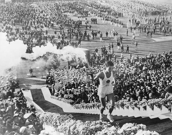 東京「Tokyo Olympics Torchbearer」:写真・画像(9)[壁紙.com]