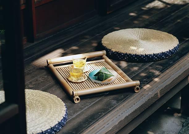 Cold Tea and Japanese Sweet:スマホ壁紙(壁紙.com)