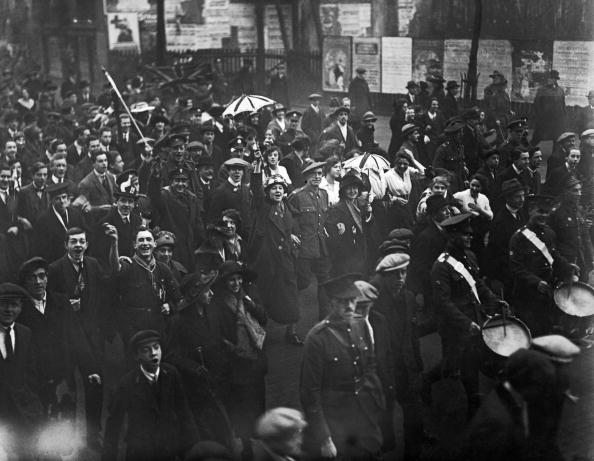 楽器「Armistice Day In London」:写真・画像(11)[壁紙.com]