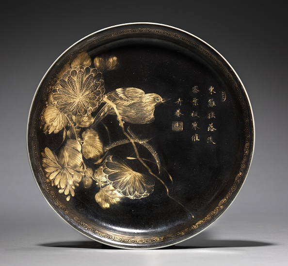 Chrysanthemum「Dish With Bird On Chrysanthemum Spray」:写真・画像(5)[壁紙.com]
